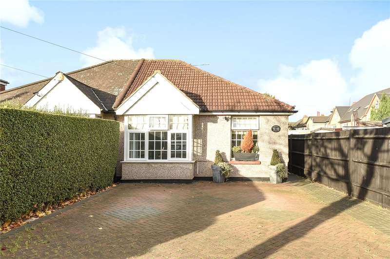 3 Bedrooms Semi Detached Bungalow for sale in Pinkwell Avenue, Hayes, Middlesex, UB3