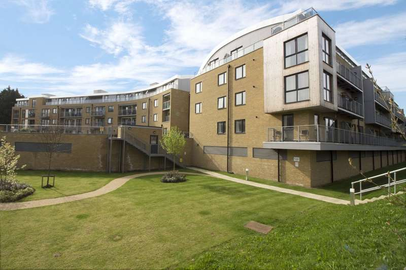 1 Bedroom Ground Flat for sale in Smeaton Court, Hertford