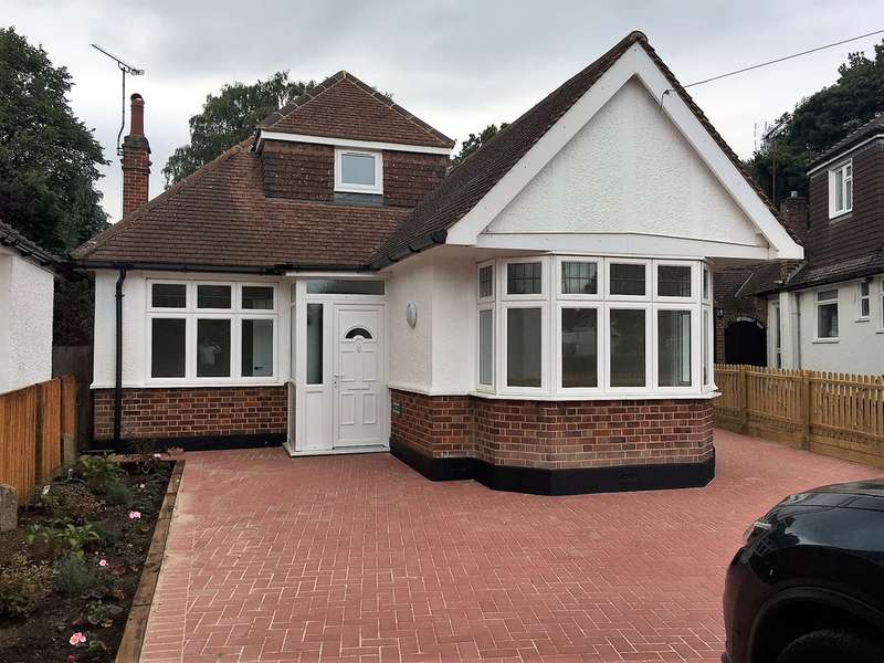 3 Bedrooms Detached Bungalow for sale in Strangeways, Watford