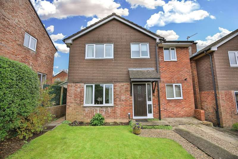 5 Bedrooms Detached House for sale in Gawain Close, Thornhill, Cardiff