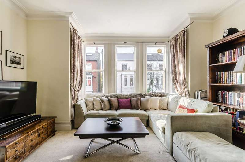 2 Bedrooms Flat for sale in Ennismore Avenue, Chiswick, W4