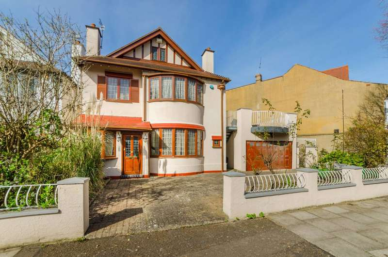 4 Bedrooms House for sale in Vallance Road, Muswell Hill, N22