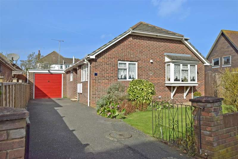 2 Bedrooms Detached Bungalow for sale in Maralyn Avenue, Waterlooville, Hampshire