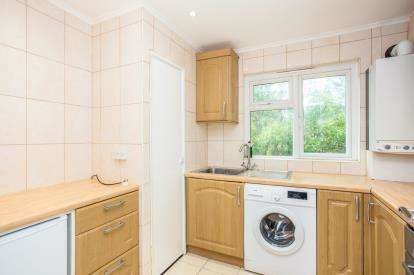 1 Bedroom Maisonette Flat for sale in The Chestnuts, Colindeep Lane, Colindale, London