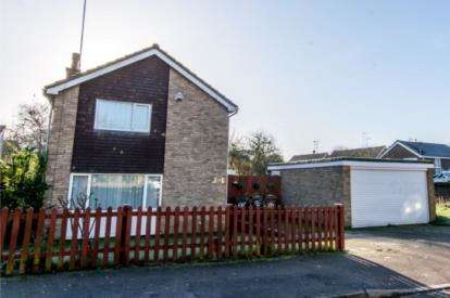 3 Bedrooms Detached House for sale in Butely Road, Luton, Bedfordshire