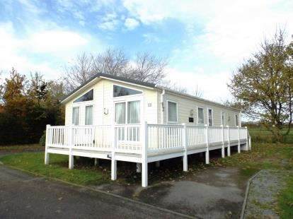 2 Bedrooms Mobile Home for sale in Breydon Waters, Burgh Castle, Great Yarmouth