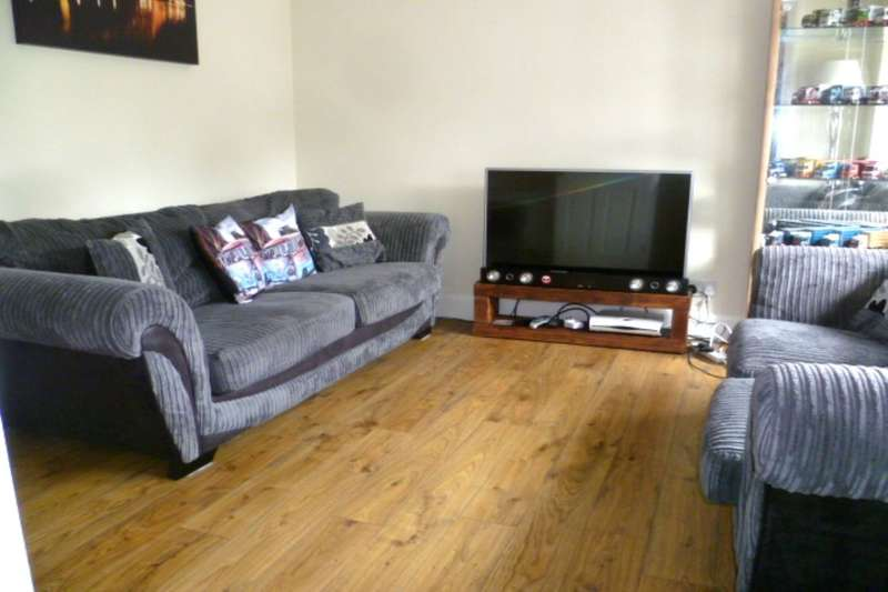 2 Bedrooms Flat for sale in Duchess Street, Stanley, Perth, PH1