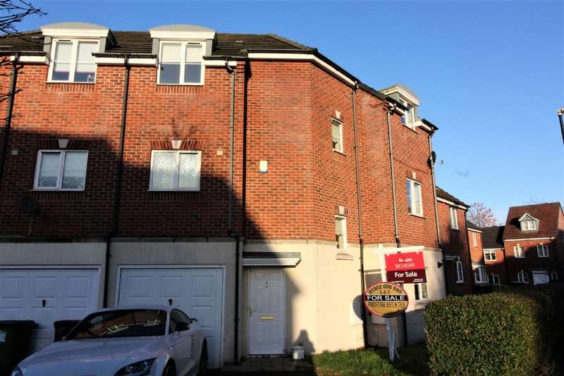 4 Bedrooms Town House for sale in Tameside Close, Willenhall