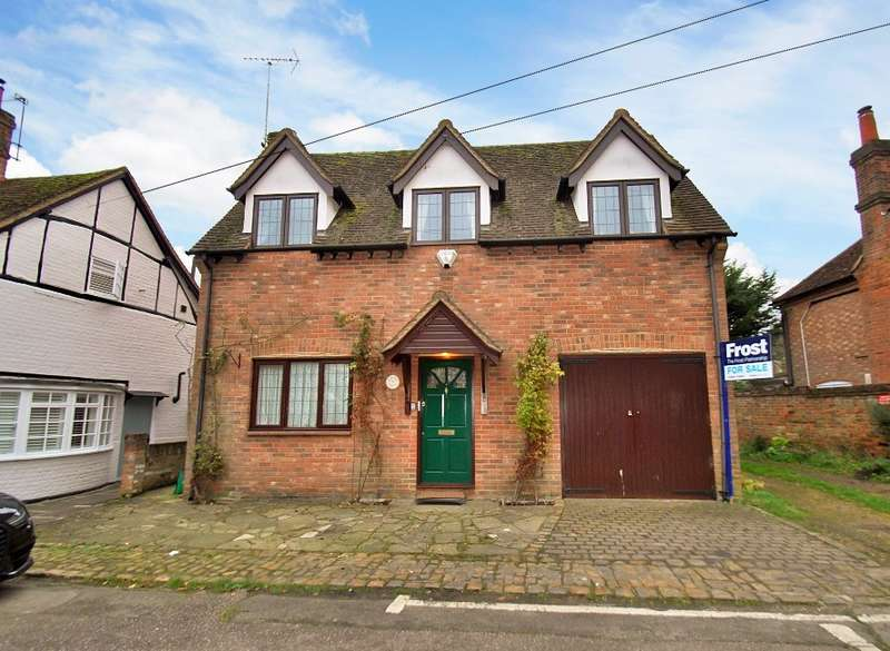 3 Bedrooms Detached House for sale in Pednormead End, Chesham, HP5