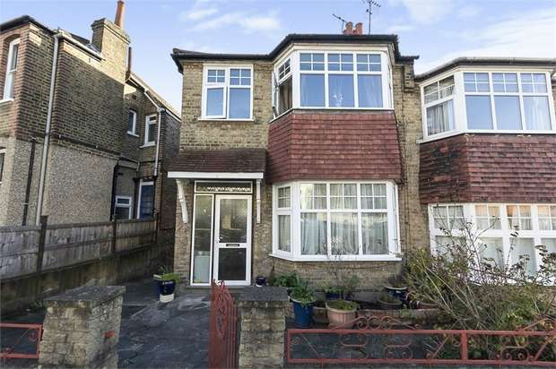 3 Bedrooms Semi Detached House for sale in Alexandra Gardens, London