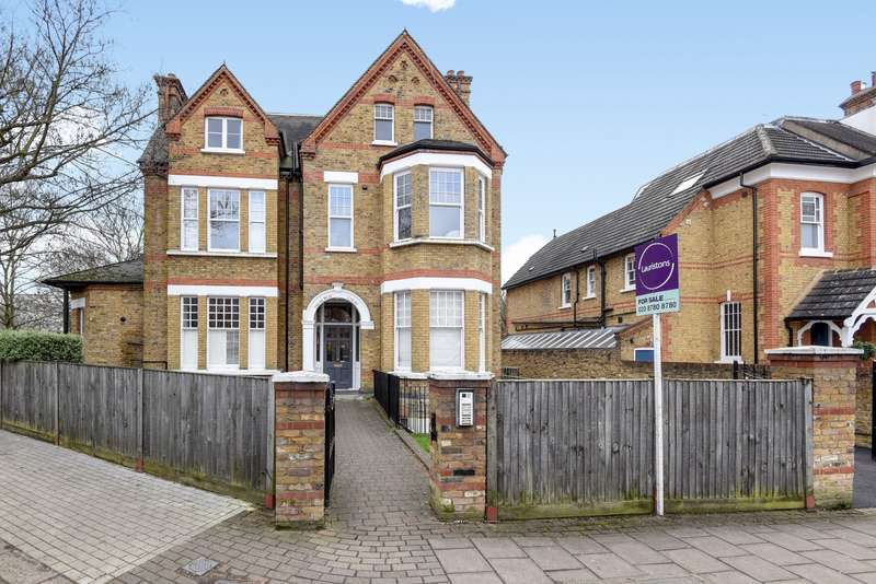 3 Bedrooms Flat for sale in Dryburgh Road, Putney, SW15