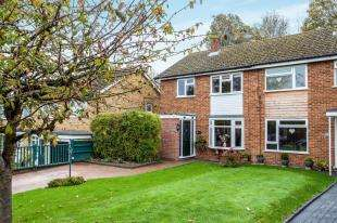 3 Bedrooms Semi Detached House for sale in Royal Avenue, Tonbridge, Kent