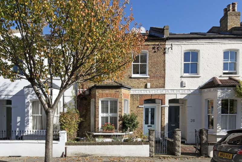 4 Bedrooms Terraced House for sale in Chivalry Road, Battersea, London