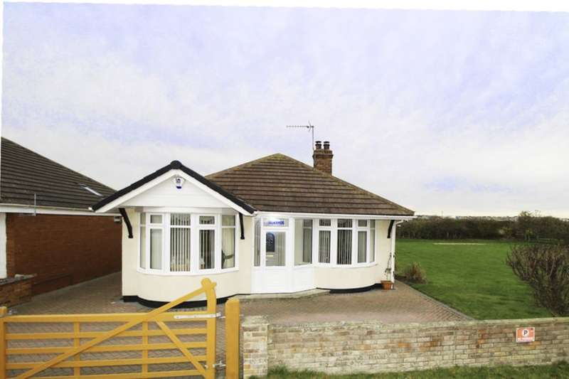 3 Bedrooms Detached Bungalow for sale in Thornwick Road, Flamborough, Bridlington, YO15