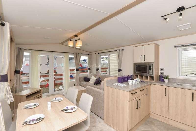 2 Bedrooms Caravan Mobile Home for sale in Seasalter. Kent