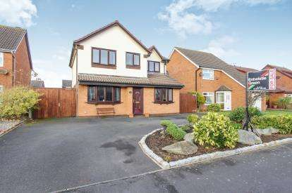 4 Bedrooms Detached House for sale in Frobisher Drive, Lytham St. Annes, Lancashire, FY8