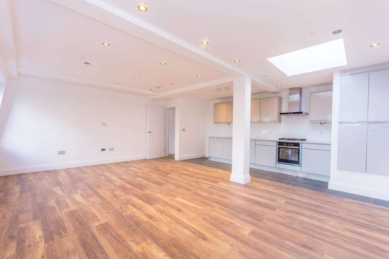 3 Bedrooms Flat for sale in Dalston Lane, Dalston, E8