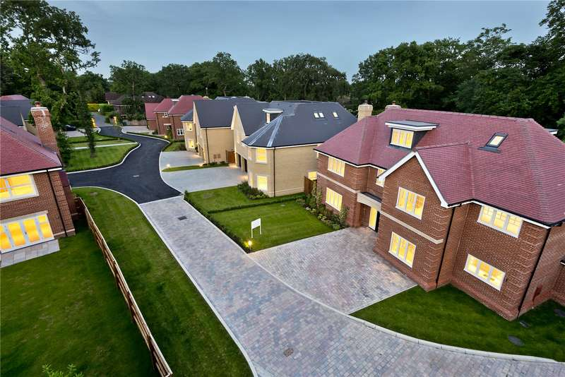 5 Bedrooms Detached House for sale in Glade In The Spinney, Gerrards Cross, Buckinghamshire, SL9