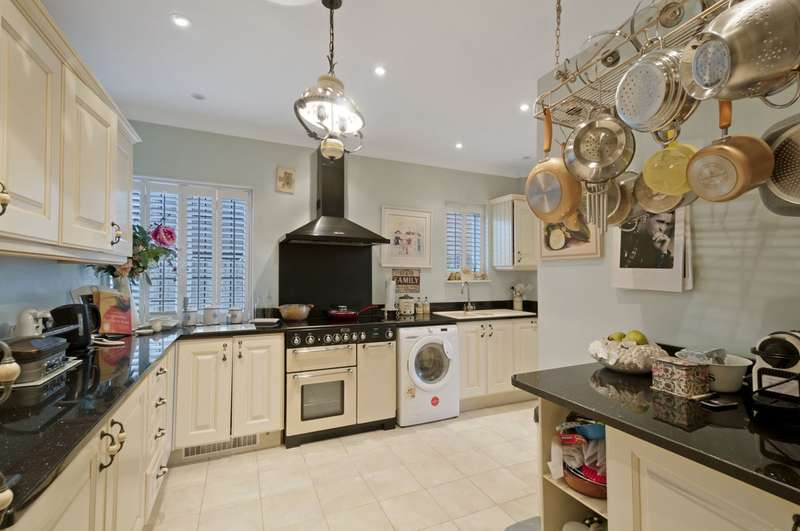 2 Bedrooms Apartment Flat for sale in Craythorne House, Beacon Oak Road, Tenterden, TN30