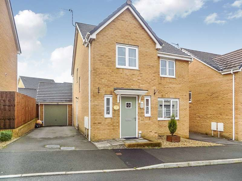 4 Bedrooms Detached House for sale in Ffordd Maendy , Sarn, Bridgend. CF32 9EZ