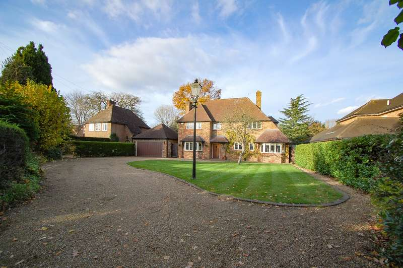 5 Bedrooms Detached House for sale in Maltmans Lane, Gerrards Cross, SL9