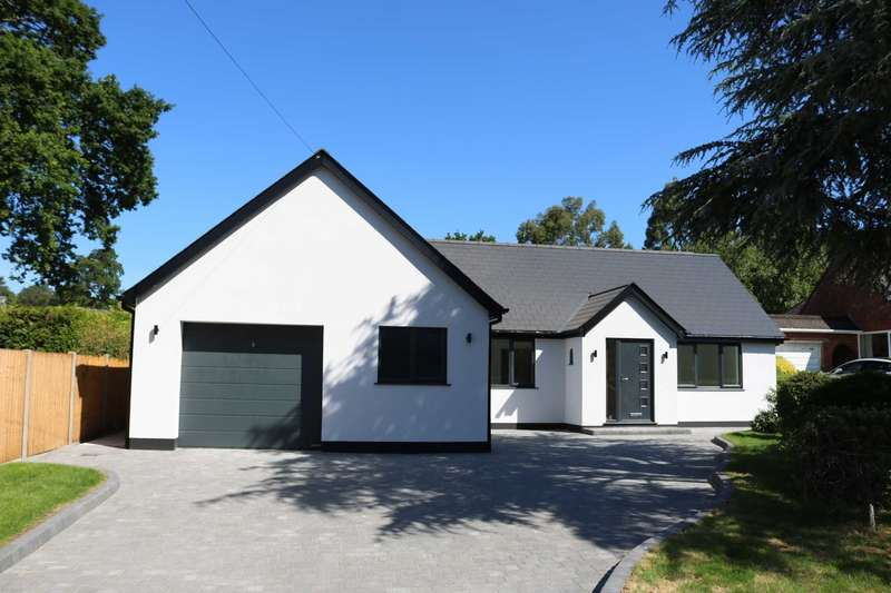 4 Bedrooms Chalet House for sale in BH24 Sandy Lane, St Ives, Ringwood