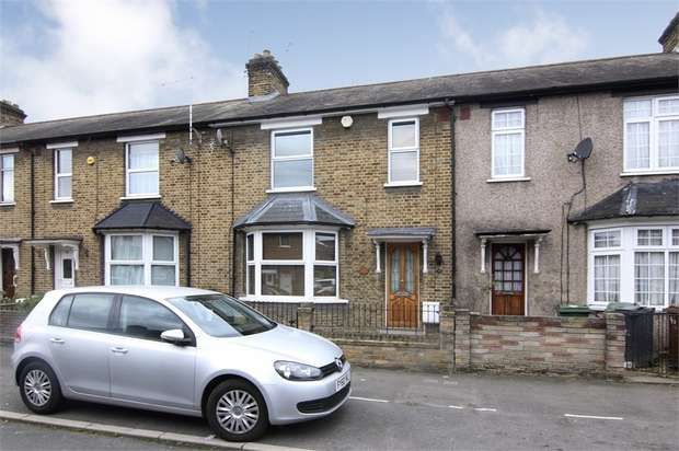 3 Bedrooms Terraced House for sale in Lyne Crescent, Walthamstow, London