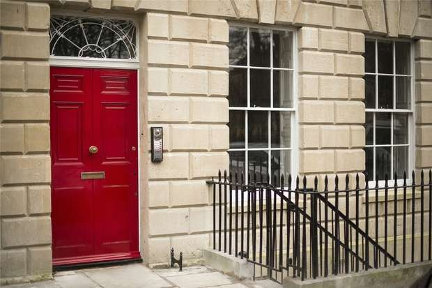 2 Bedrooms Flat for sale in 25 Portland Square, Bristol