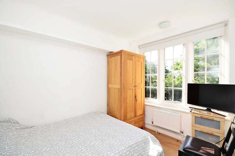 1 Bedroom Flat for sale in Mortimer Crescent, St John's Wood, NW6