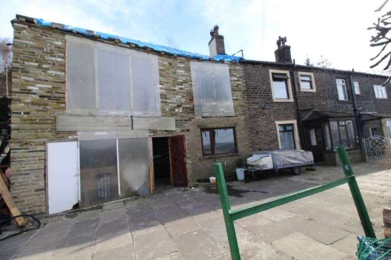 3 Bedrooms Semi Detached House for sale in Crossleys Buildings, Halifax, HX3