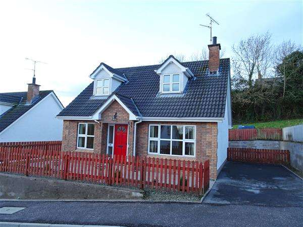 3 Bedrooms Detached House for sale in 32 Hollybank