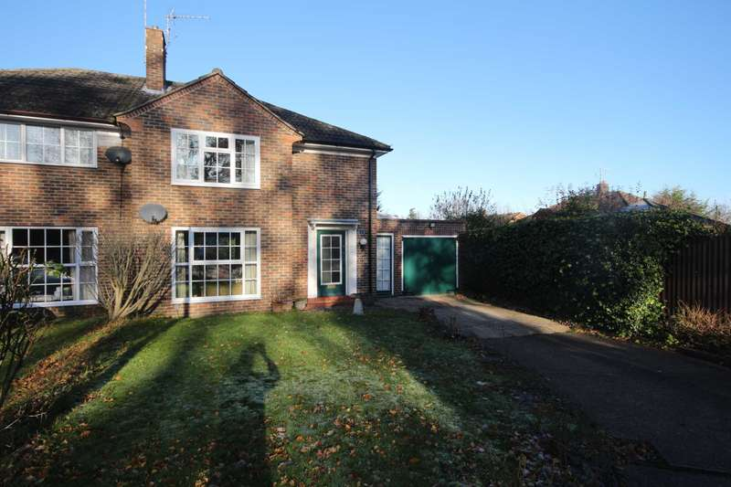 3 Bedrooms Semi Detached House for sale in Park Road, Bracknell