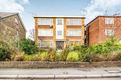 1 Bedroom Flat for sale in Woodford Green