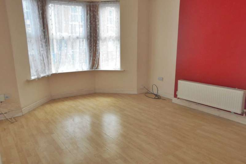 3 Bedrooms Terraced House for sale in Walbrook Road, Derby