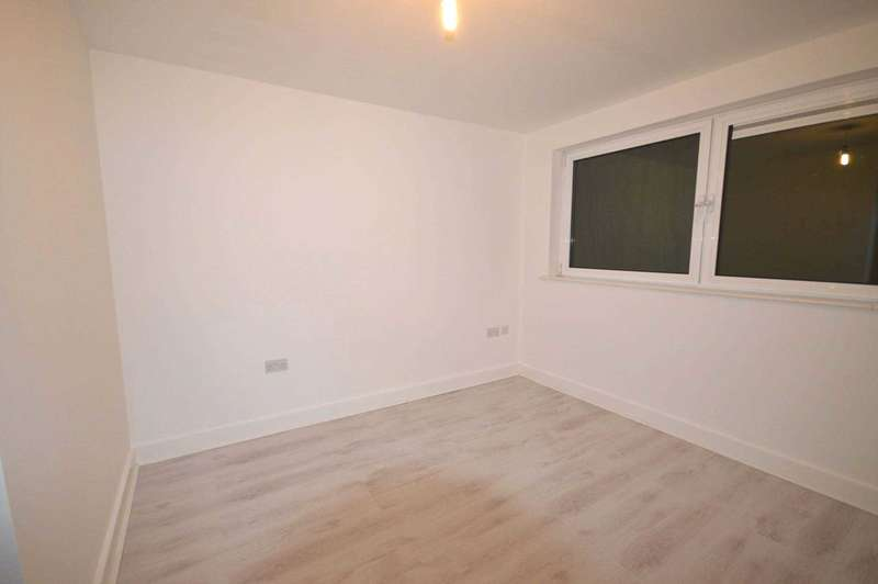 2 Bedrooms Apartment Flat for sale in Basin Approach, Victoria Docks