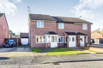 3 Bedrooms End Of Terrace House for sale in Badgers Dene, Grays, Essex