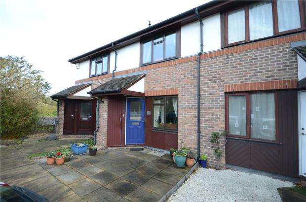 2 Bedrooms Terraced House for sale in All Saints Rise, Warfield, Berkshire
