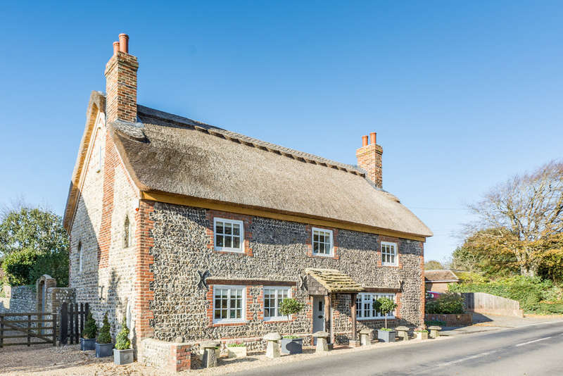 4 Bedrooms Cottage House for sale in Sea Lane, Ferring