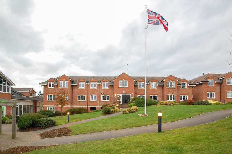 1 Bedroom Flat for sale in Giles House, Bells Hill, Stoke Poges, SL2