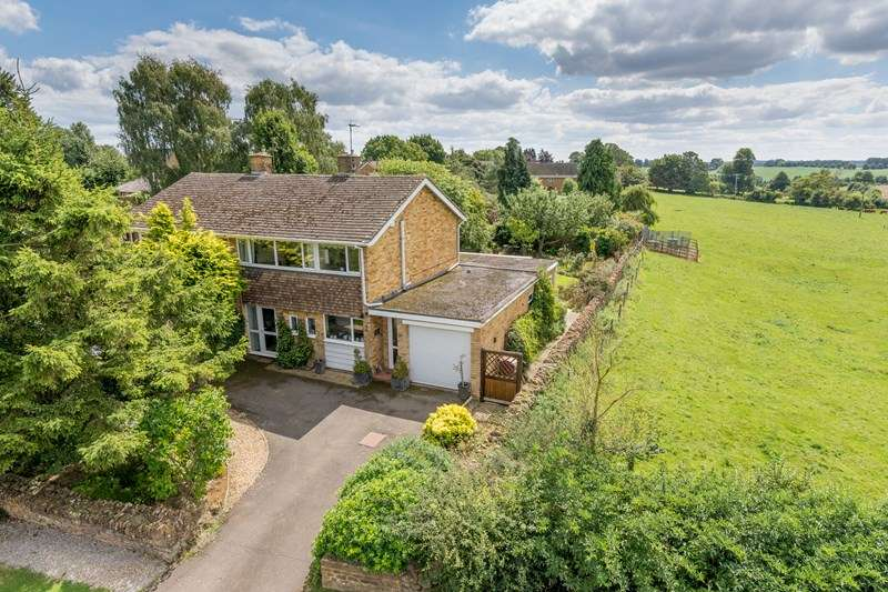 4 Bedrooms Semi Detached House for sale in Wykham Lane, Bodicote, Banbury