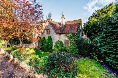 4 Bedrooms Detached House for sale in Church Lane, Oakley, Bedford, Bedfordshire