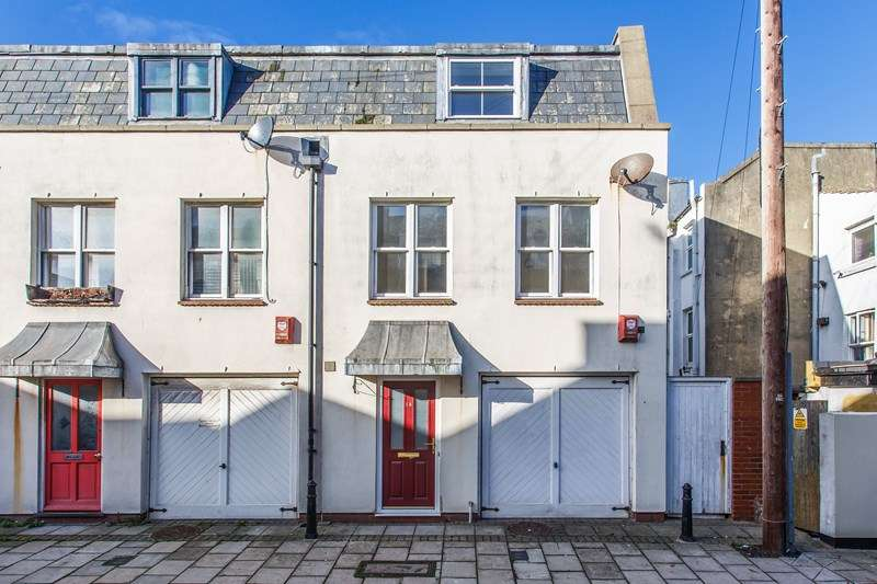 3 Bedrooms End Of Terrace House for sale in Steine Gardens, Brighton
