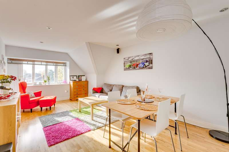 2 Bedrooms Flat for sale in Willesden Lane, London, NW2 5RZ