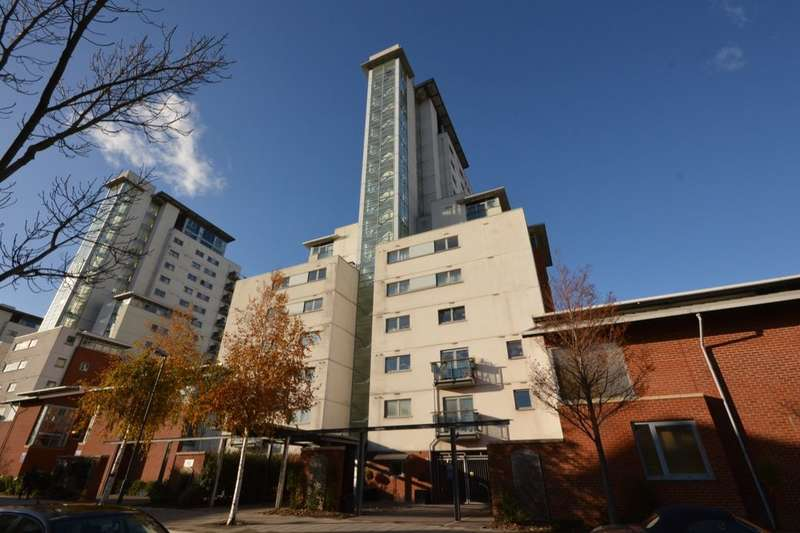 2 Bedrooms Flat for sale in Erebus Drive, West Thamesmead , London, SE28