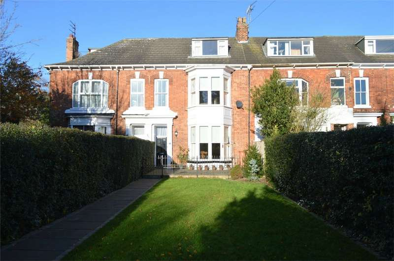 5 Bedrooms Terraced House for sale in 7 Suffolk Terrace, Hornsea
