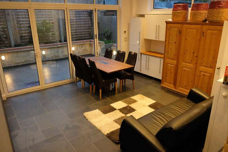 1 Bedroom House for sale in C Lower Road, Deptford, SE8 5DJ