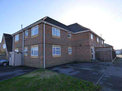 2 Bedrooms Flat for sale in Hayling Island, Hampshire, .