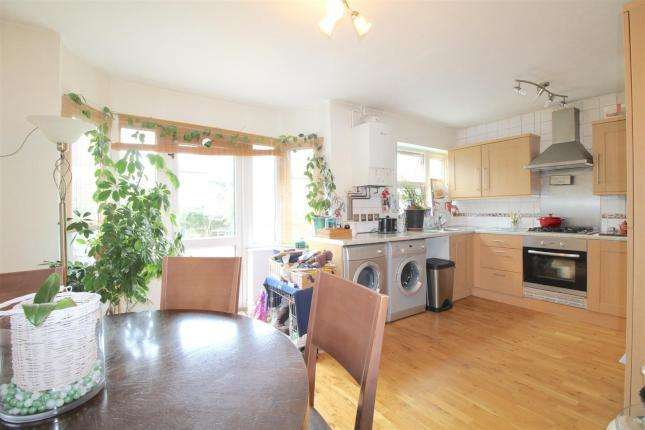 3 Bedrooms Terraced House for sale in Lancing Gardens, London, N9 9EU