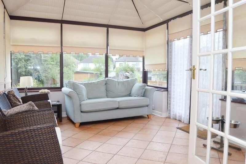 4 Bedrooms Semi Detached House for sale in Arundel Road, Harold Wood