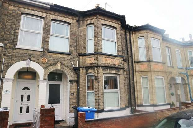 3 Bedrooms Terraced House for sale in Regent Road, Lowestoft, Suffolk
